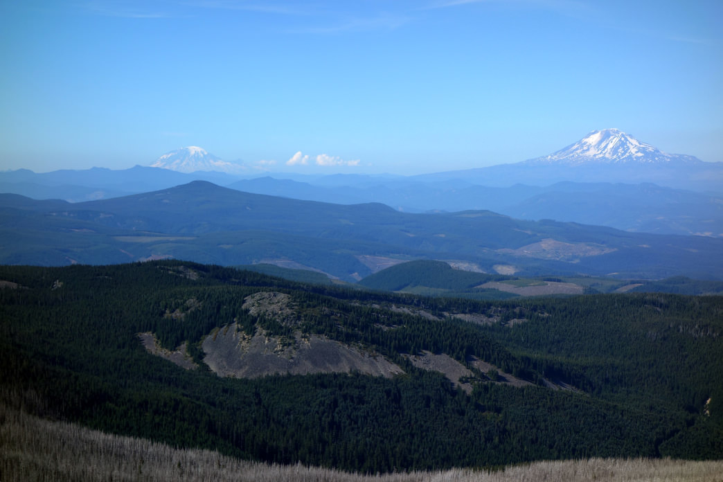 Picture-perfect panoramas along the Timberline Trail.     Laura Lancaster