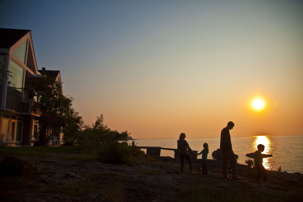 Bluefin Bay offers upscale accommodations along the coast of Lake Superior.