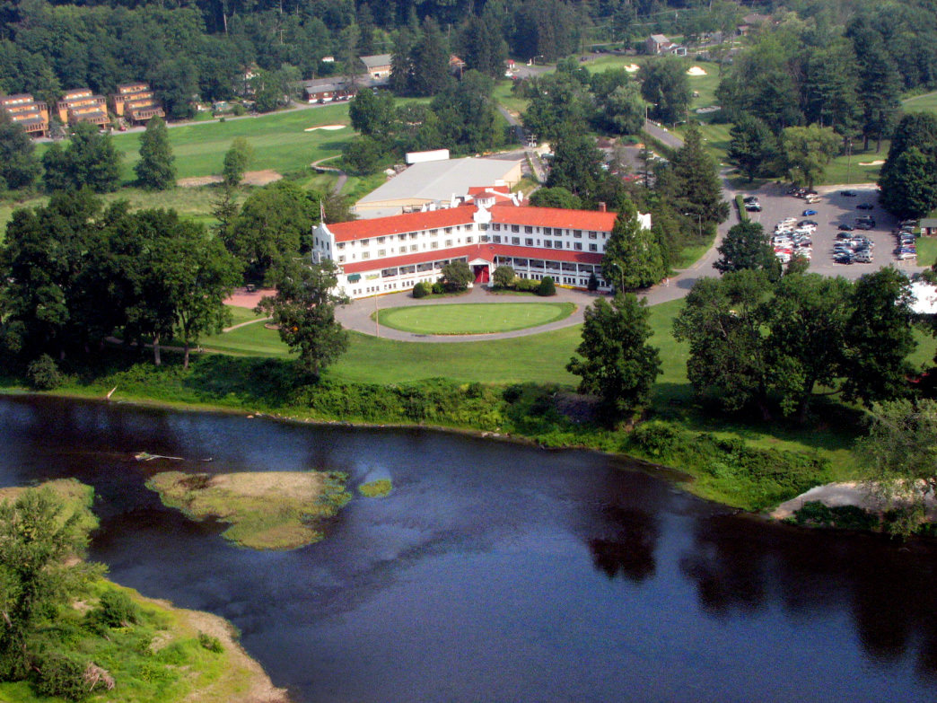 The Beautiful Shawnee Inn & Golf Resort in the Poconos