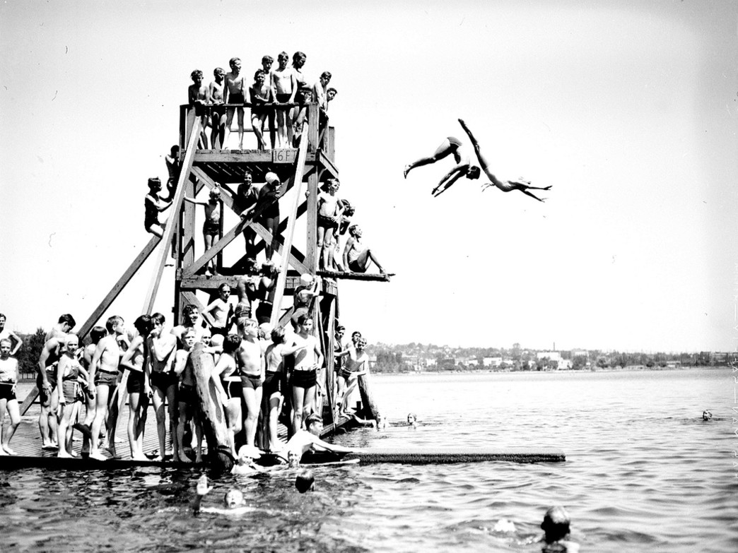 Plunging into Green Lake has long been a Seattle favorite.