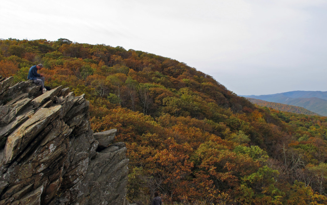 Head to Humpback Rocks for a tough but worthwhile hike that yields magnificent views of the valley.