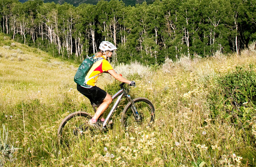 Choose from plenty of interconnected singletrack options for mountain bikers in Heber Valley.