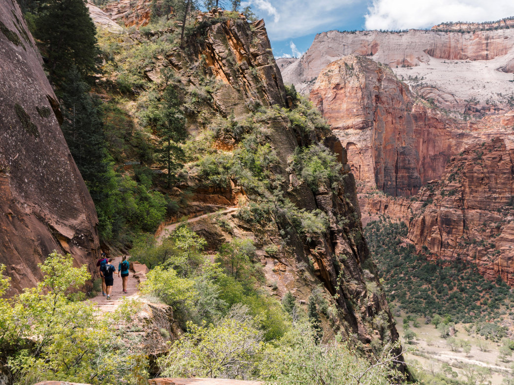 This challenging trail traverses the eastern rim of Zion Canyon and brings hikers through Echo Canyon and by some amazing views.