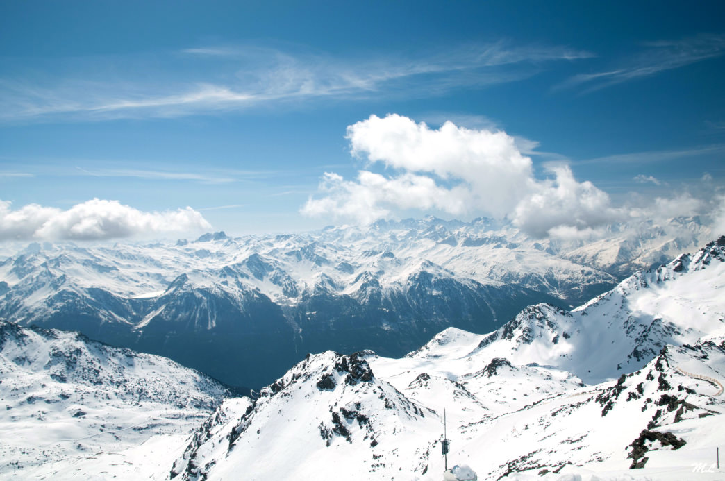 a guide to the best apr s ski spots in the french alps. Black Bedroom Furniture Sets. Home Design Ideas