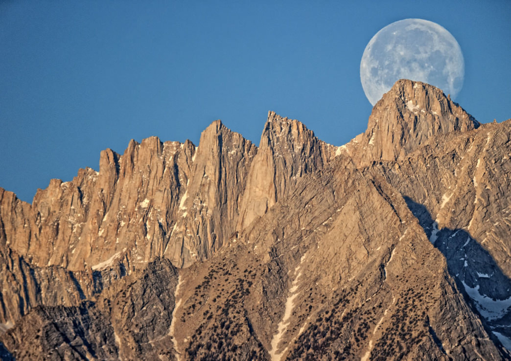 The Supermoon behind Mt. Whitney.     Mike Shaw