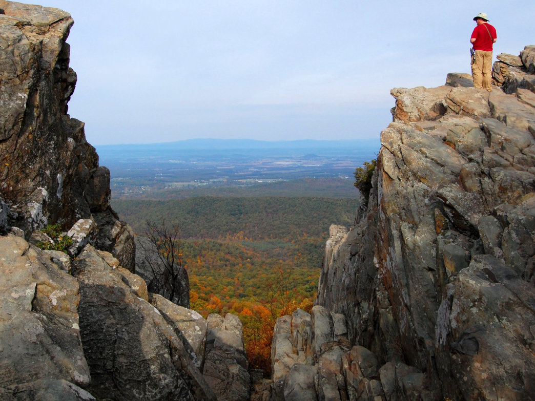 Tackle the quad-burning, mile-long ascent of Humpback Rocks for sweeping views of the northern Blue Ridge from atop the 3,080-foot greenstone pinnacle.