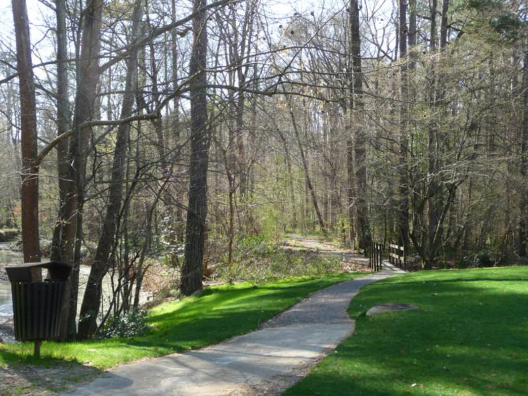 Historic & scenic Mountain Brook Trail