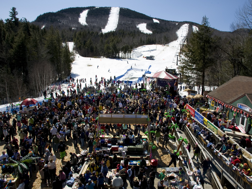 There's plenty of post-ski entertainment to be found both at Sunday River and in the nearby town of Bethel.