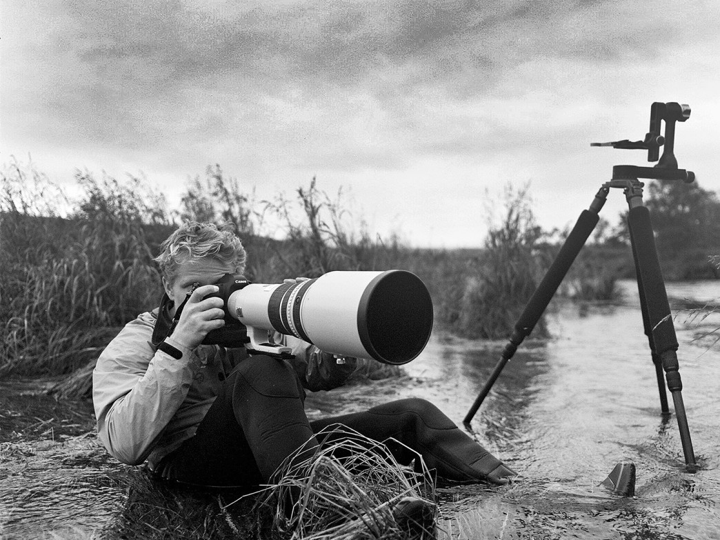 Paul Hassell photographing brown bears in Alaska