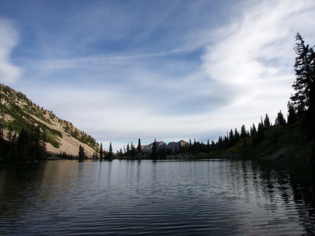 Red Pine Lake offers flat campsites and gorgeous views.