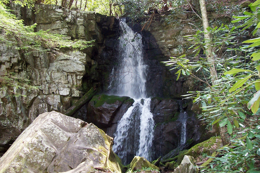 Baskins Creek Falls is a short walk with a big reward.