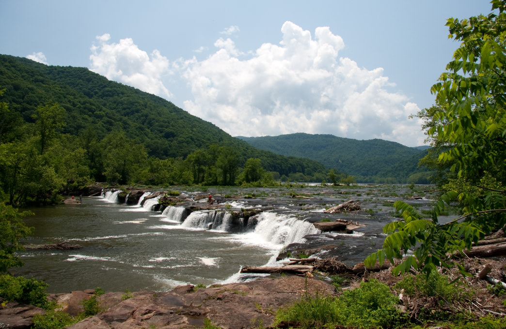 The 25-foot Sandstone Falls is the largest waterfall on the New River.