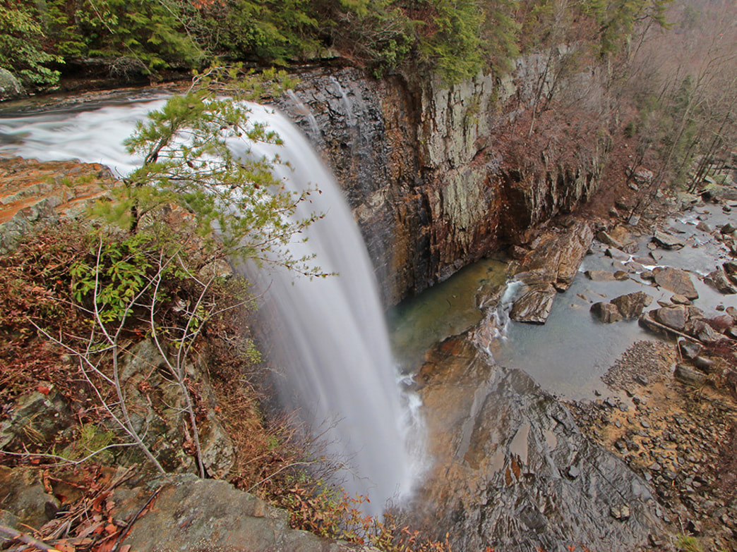 Lula Falls is one of the most impressive waterfalls in the region.