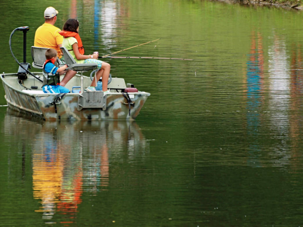 Only electric boats are allowed at Mountwood Park's lake, allowing for an undisrupted fishing experience.