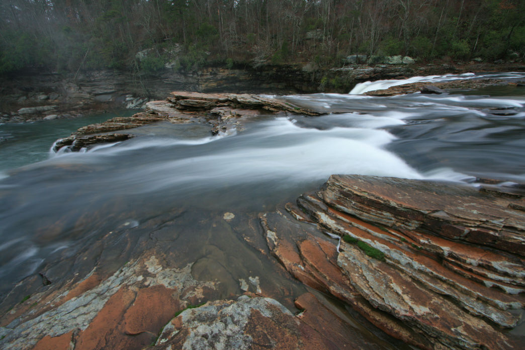 Dog-friendly trails in Little River Canyon visit eye-catching waterfalls.