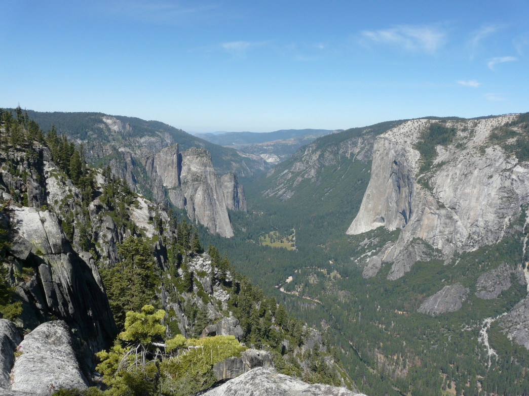 Lower Yosemite Valley from the Pohono Trail