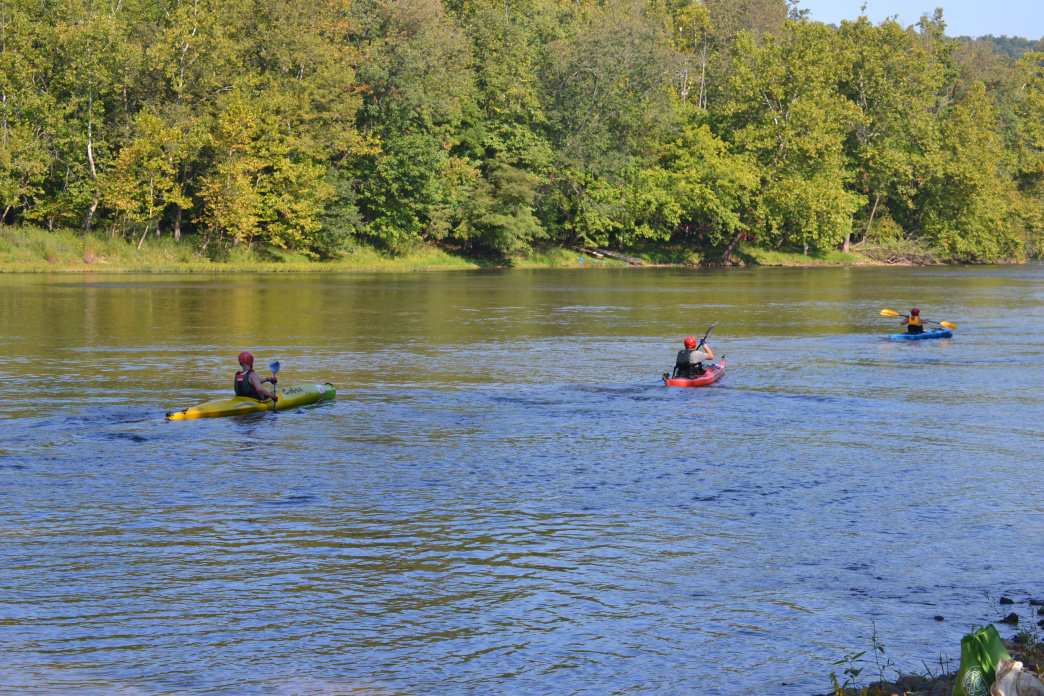 Kayaking; canoeing; and tubing are all popular on the New River.