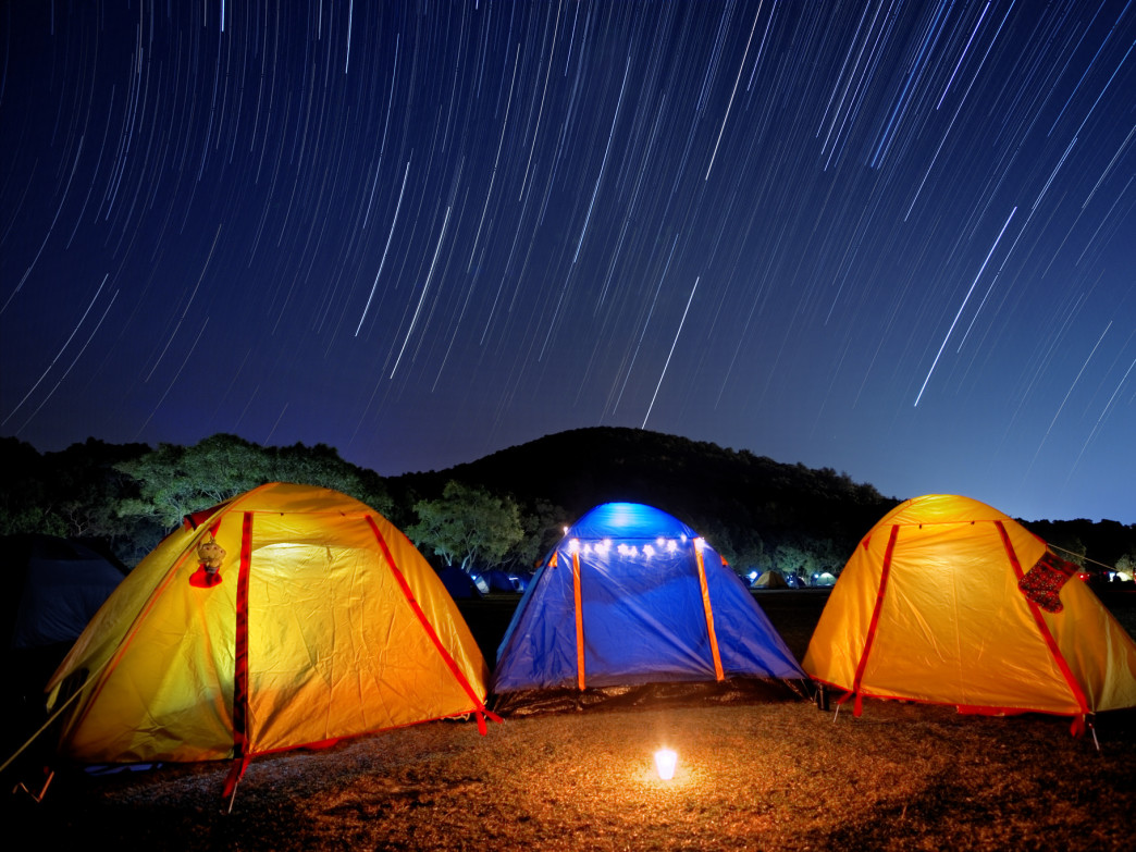 For a celestial adventure, sleep under the (shooting) stars this winter.