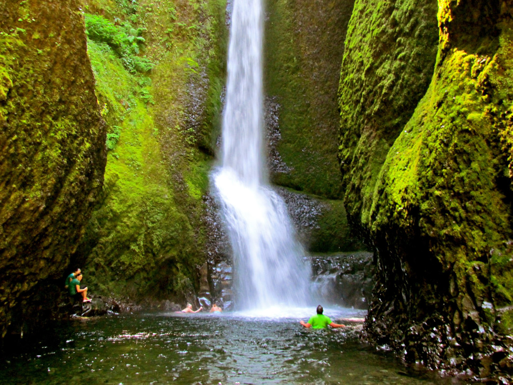 Oneonta Gorge Hiking