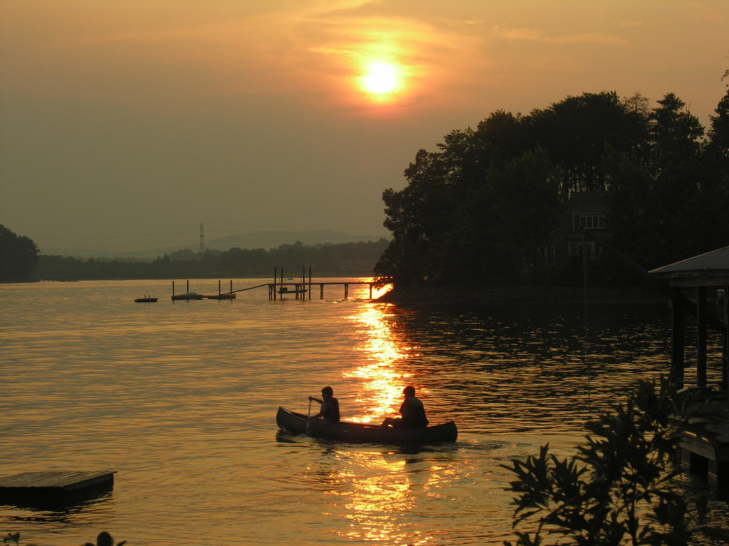 On Lake Norman and other Charlotte waterways, canoeing counts as paddling too!