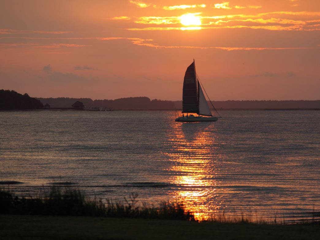 Sunset sailing in the Calibogue Sound