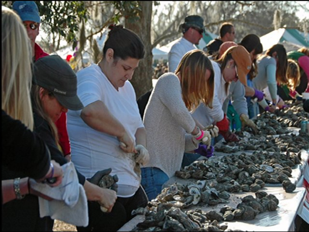 "Thousands of oyster lovers gather at the ""World's Largest Oyster Roast"""