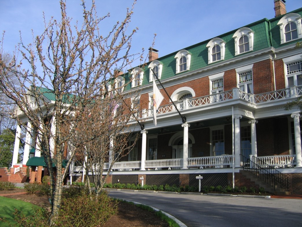 The Martha Washington Inn.