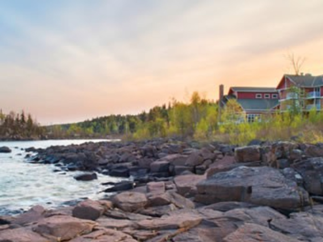 Cove Point Lodge offers cottages as well as single rooms in the main lodge.