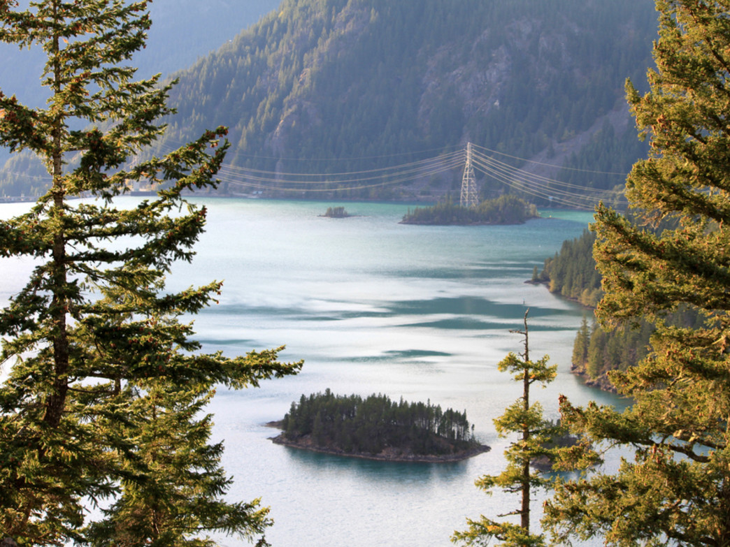 Diablo Lake is a paradise for paddlers.