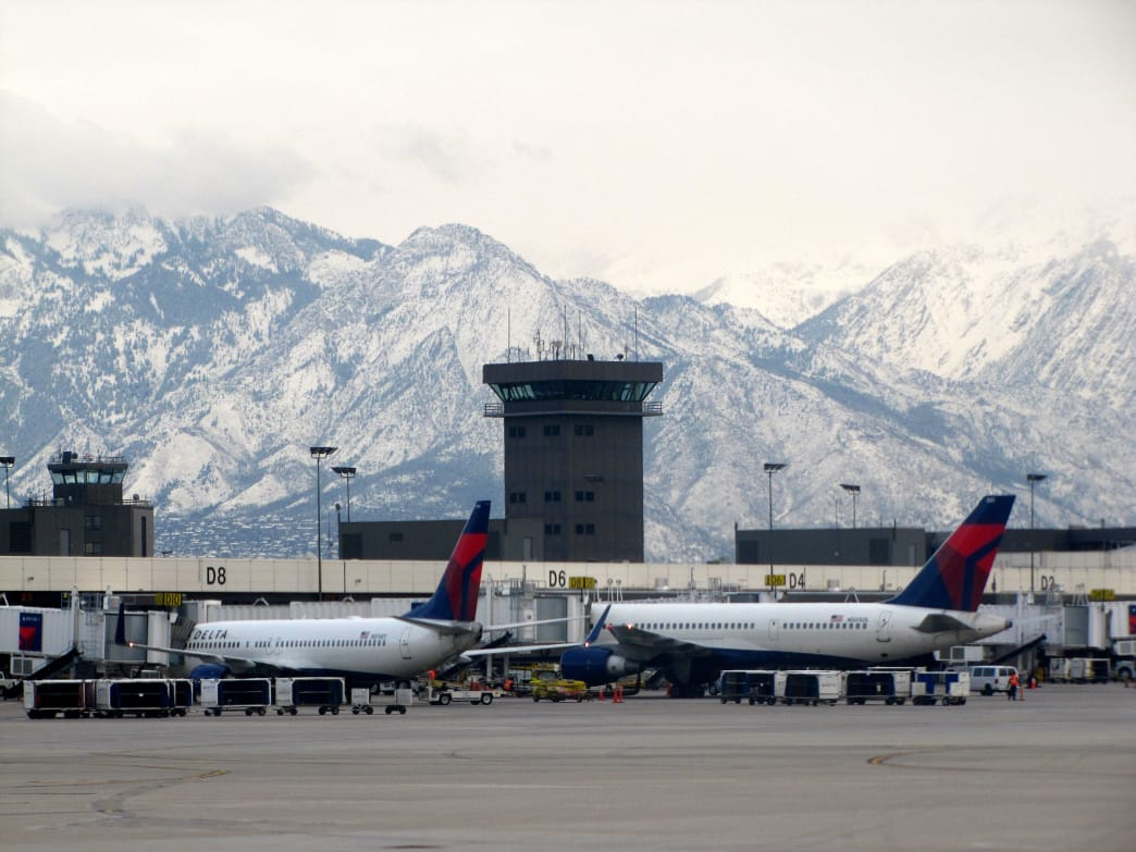 The Salt Lake City International Airport teeters on the edge of the mountains and is a quick drive to most of the Utah resorts.