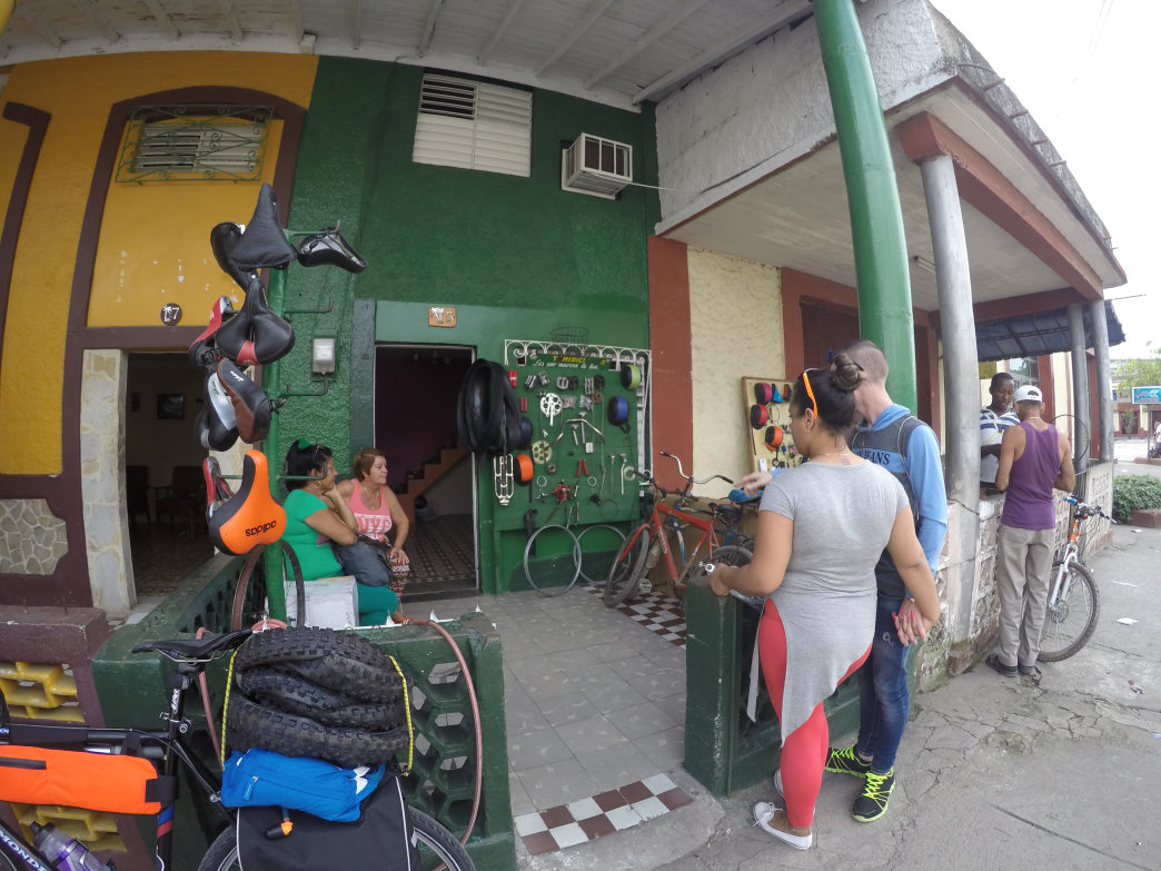 The exterior of a bike mechanic's shop in Sancti Spiritus.