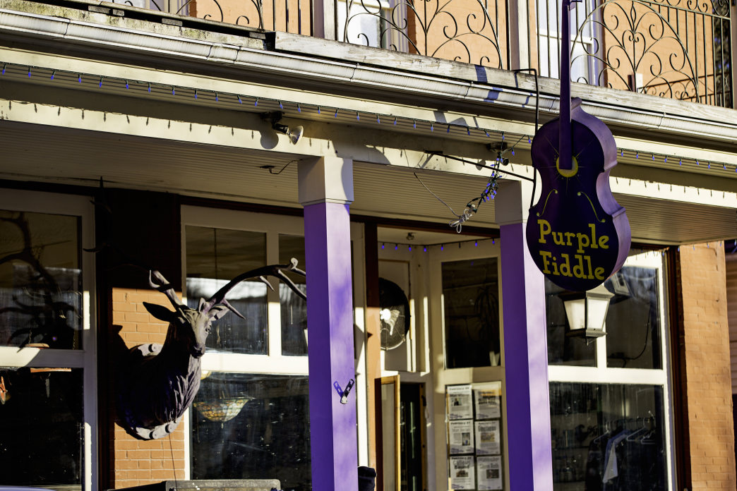 The Purple Fiddle is also a popular bar with live music on the weekends.     Hostels